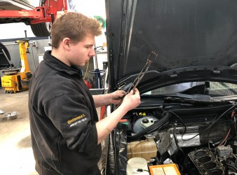 Training your next Mercedes-Benz specialist!