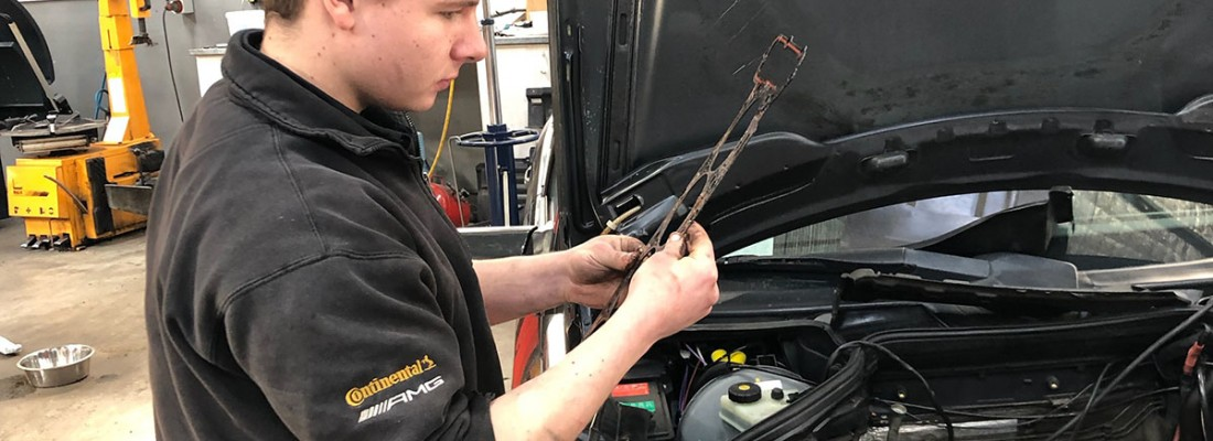 Training your next Mercedes-Benz specialist!